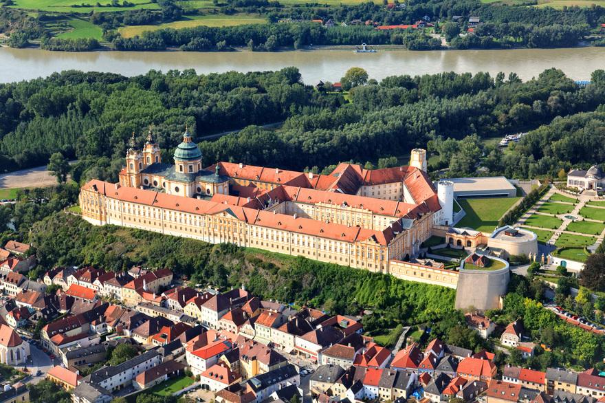 Luftaufnahme über Melk in Niederösterreich. © Österreich Werbung, Fotograf: Homberger