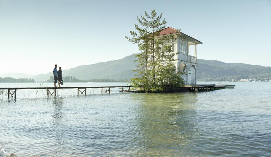 Steg zum Bootshaus in Pörtschach am Wörthersee. © Österreich Werbung, Fotograf: Peter Burgstaller