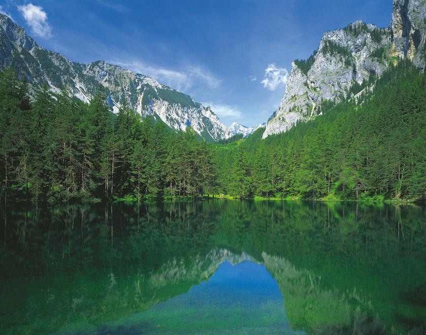 Gruener See bei Tragoess / Hochschwab-Massiv / Steiermark