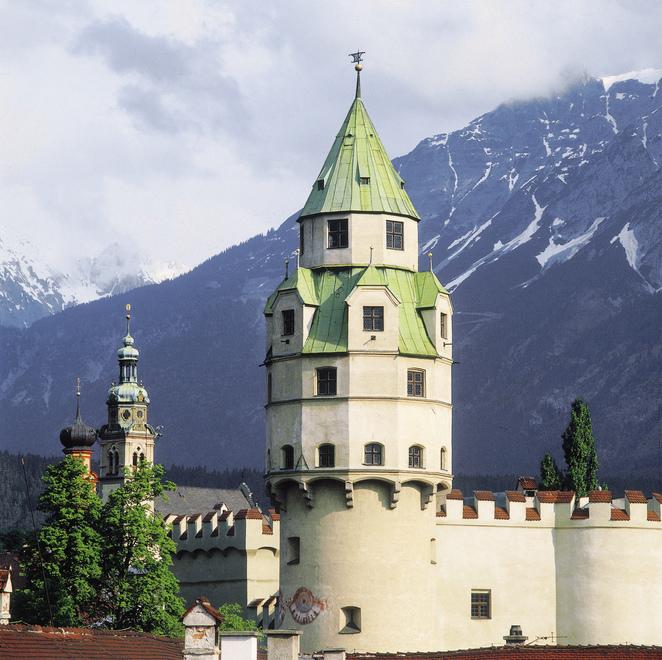Burg Hasegg / mit Muenzturm / in Hall in Tirol