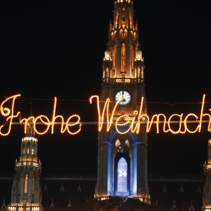 City hall in Vienna / Merry Christmas