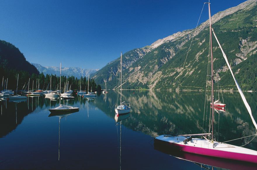 Segelboote am Achensee