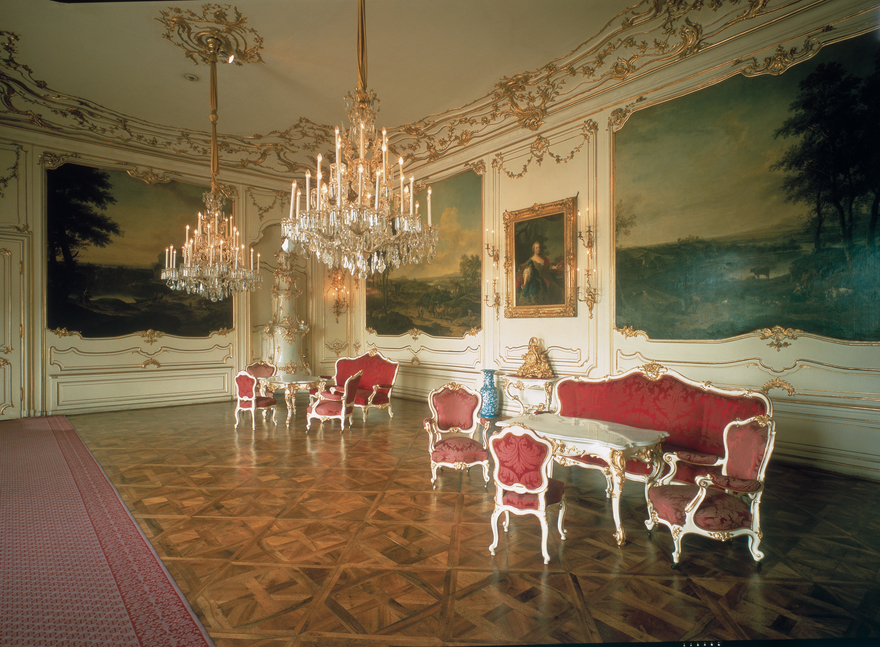 Schoenbrunn Palace in Vienna / Rosa Rooms
